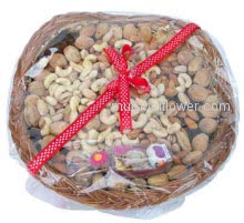 Basket of mixed 750 gms. dry fruits.