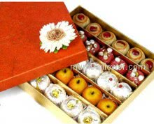 A Beautifully Assorted Mithai Box contains different types of fresh mithais 1 Kg.