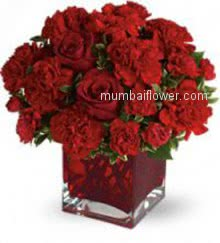 Valentine Love Red Flowers in a lovely beautiful Clear Glass Vase with 40 Red Carnation and Roses