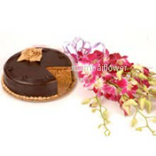Bunch of 6 purple orchids nicely decorated with half kg. chocolate truffle cake