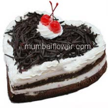 2 Kg Heart Shape Delicious Black Forest Cake. Please order 1-2 Days in advance.