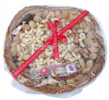 1 Kg. Basket of mixed dry fruits.
