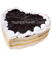 1 Kg. Premium Quality Heart Shape Blueberry Cake... Order 24 hours in advance. Please note : Cake icing may differ from shown picture.